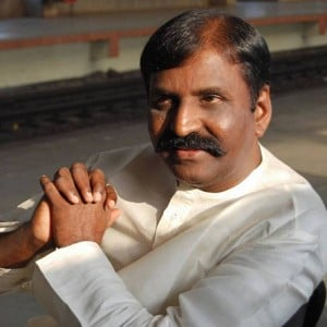 Vairamuthu's big move!